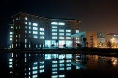 武汉工商学院自考校园夜色