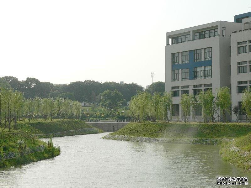校园风光_湖北经济学院成教